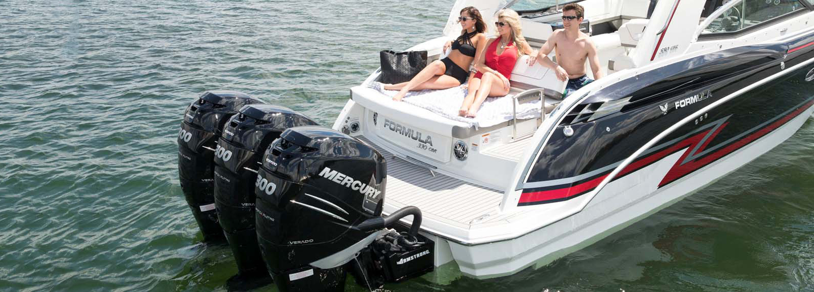 330 crossover bowrider bowriders with outboards for Best outboard motor 2017