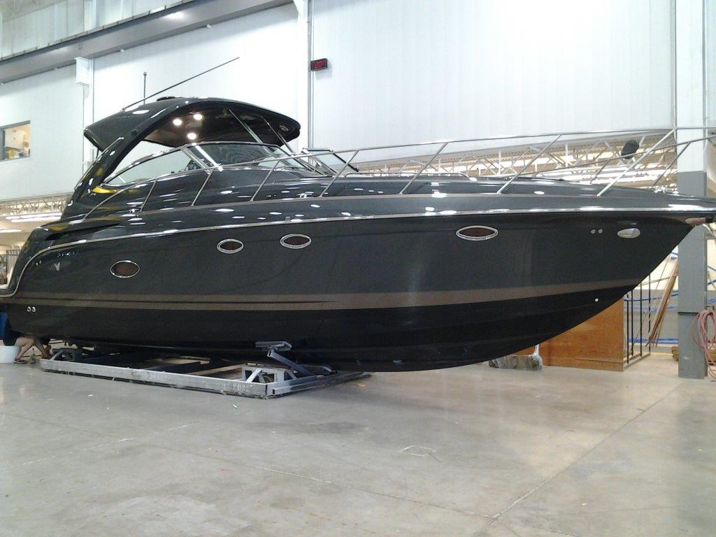 An example of customization that FormulaFlex offers, with a custom hull. The entire hull is a mix of jet black, charcoal grey, and tan.
